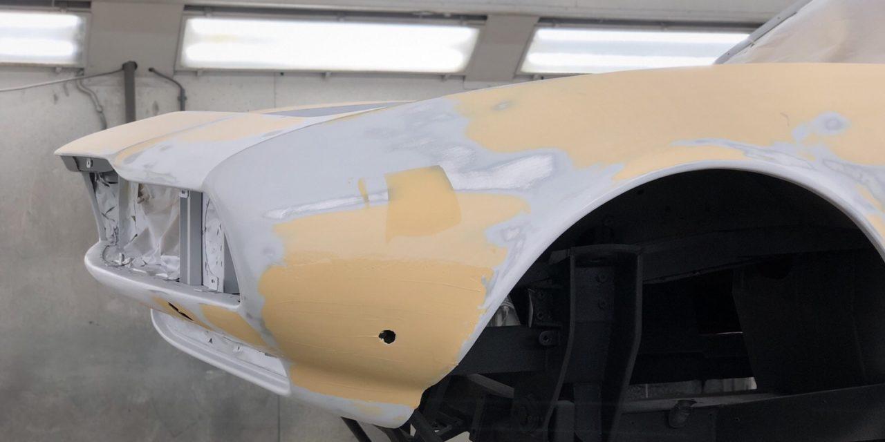 De Maserati aan het strak maken.