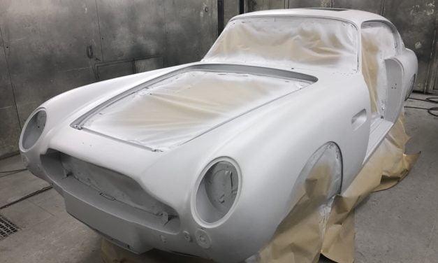 Aston Martin DB6 in de epoxy