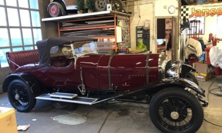 Deze Bentley in dit weekend te zien op Interclassics Maastricht hij staat op de stand van DCR