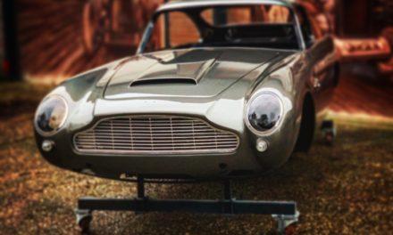 Aston Martin DB5 gespoten.