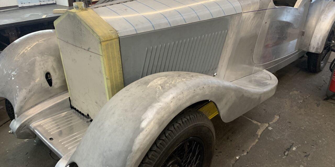Rolls Royce 20 / 25 carrosserie aan het maken en op en restaureren.