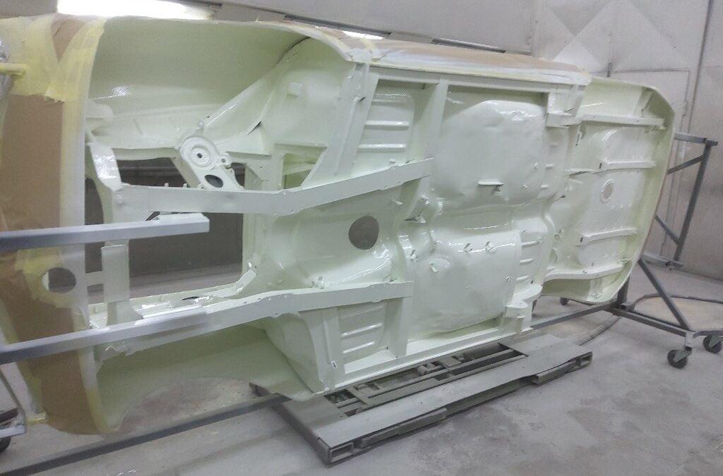 Alfa Romeo binnenzijde doorgespoten.